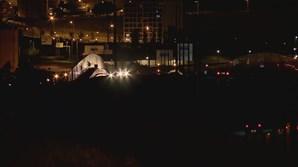 Mulher de 21 anos morre após colisão entre três carros no Eixo Norte-Sul em Lisboa