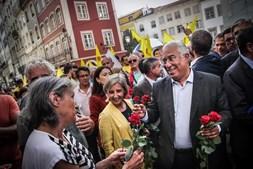 António Costa numa arruada em Coimbra