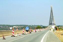 Ponte do Guadiana está a sofrer obras de reabilitação