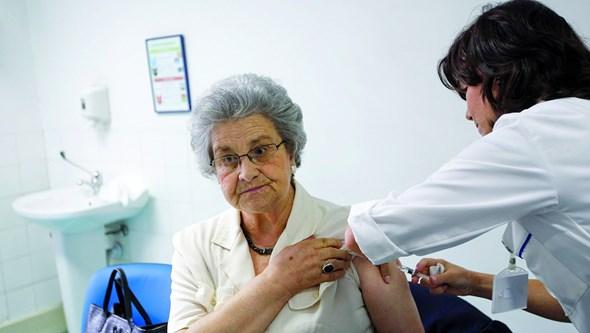 Quase 800 mil idosos já se vacinaram contra a gripe