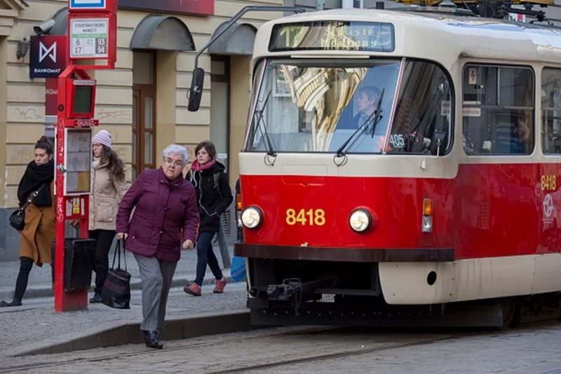 Resultado de imagem para Estudante portuguesa de Erasmus morre em Praga atropelada por elétrico