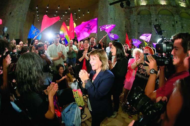 Catarina Martins saudada  pelos apoiantes. A líder do BE disse que já tinha dado os parabéns a António Costa