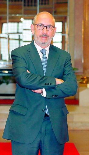 Telmo Correia lembra que quem tem responsabilidades no partido deve assumi-las