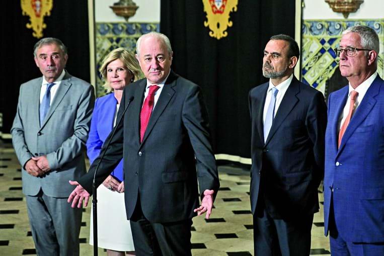 Rui Rio, a braços com vários focos de contestação dentro do partido após as eleições de domingo, liderou a delegação do PSD que esta terça-feira se reuniu com Marcelo