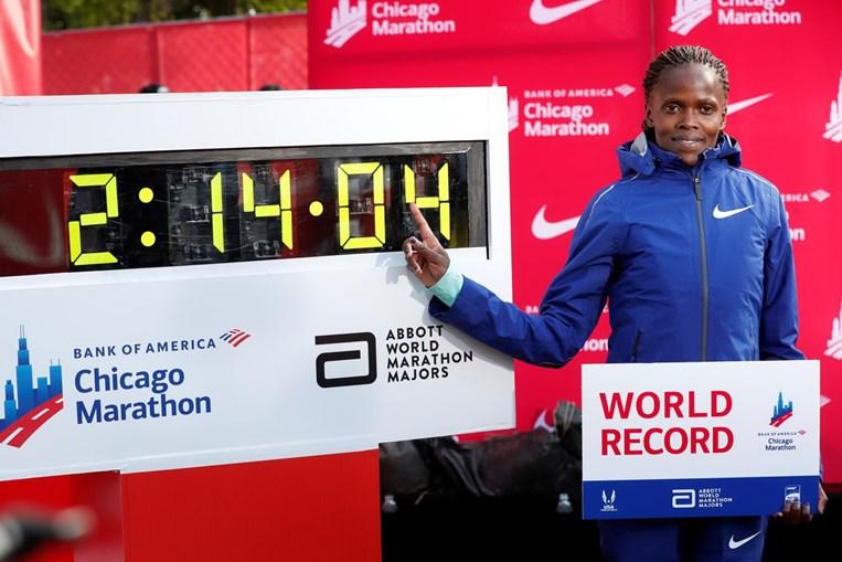 Brigid Kosgei bate recorde mundial da maratona feminina