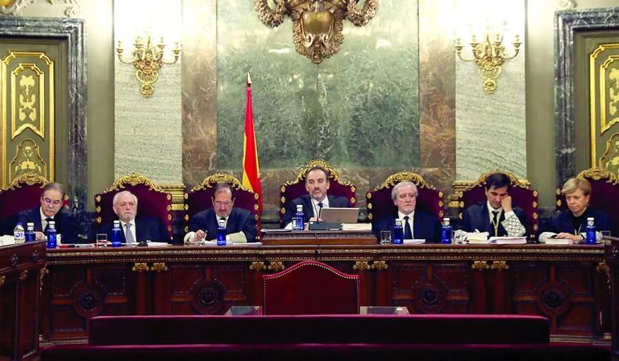 Juízes descartaram o crime de rebelião e condenaram os principais arguidos por sedição. Regime prisional fica ao critério das autoridades da Catalunha