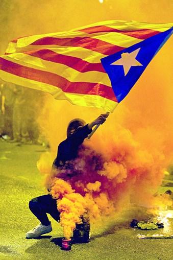 Noite violenta causa alarme e prejuízo milionário na Catalunha