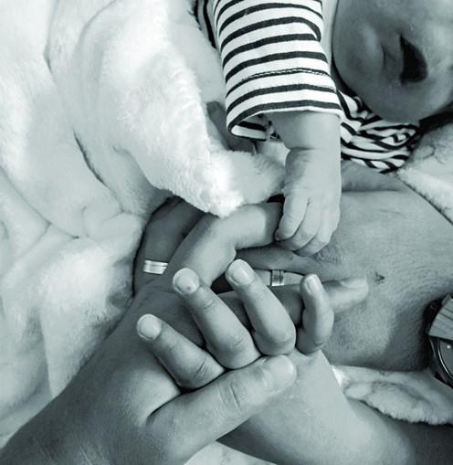 Marlene partilhou a primeira fotografia com o filho, Rodrigo, de mãos dadas com o pai, David