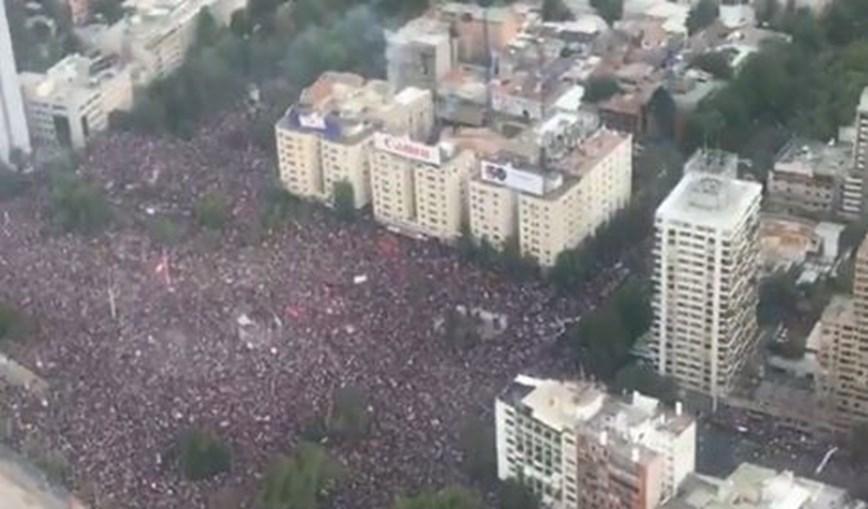 Protestos reúnem cerca de um milhão de pessoas em Santiago do Chile