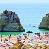 Mulher condenada a pena suspensa por burla com casas de férias no Algarve