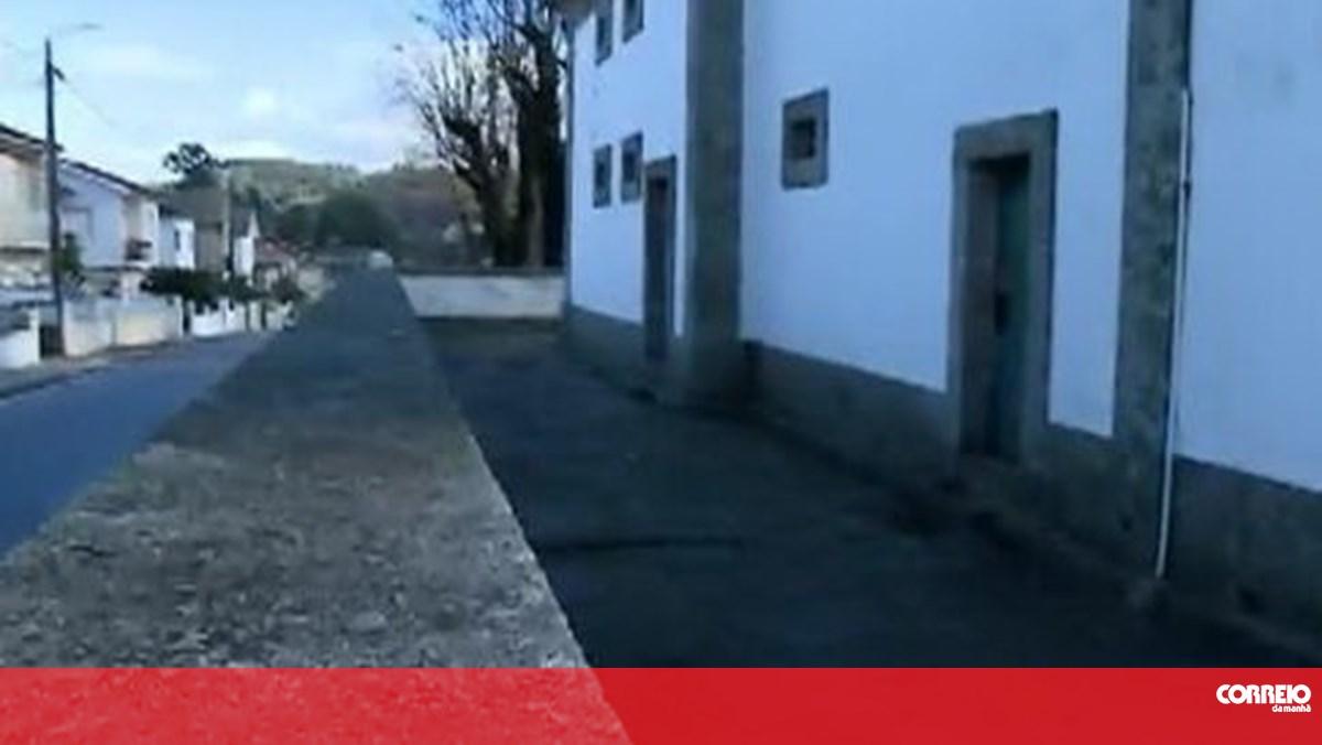 Capela assaltada em Lousada. Ladrões levaram 70 mil euros em arte sacra - Correio da Manhã