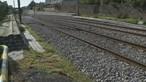 Mulher e duas crianças escapam antes do carro onde seguiam ser abalroado por comboio em Caminha