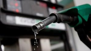 Preço da gasolina desce na segunda-feira