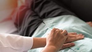 Cancro do intestino grosso mata sete pessoas por dia em Portugal