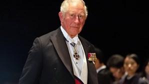 Príncipe Carlos infetado com coronavírus. Família real britânica em alerta