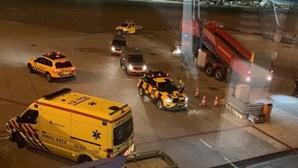 """""""Erro"""" de piloto leva a operação militar no aeroporto de Amesterdão"""