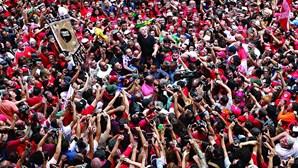 Duelo Lula-Bolsonaro já incendeia o Brasil