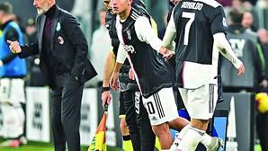 Ronaldo sai a mil à hora após ser substituído em jogo da Juventus
