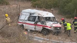 Quatro feridos graves em despiste de ambulância em Albufeira