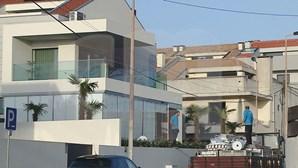 Novas imagens da casa de Uribe onde se realizou a festa polémica com jogadores do FC Porto