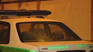 Dois detidos e cinco feridos em tentativa de assalto em Barcelos. Populares travaram ladrões