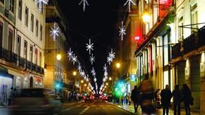 Iluminações de Natal invadem ruas de Norte a Sul