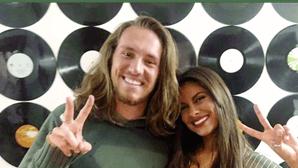 Carolina Loureiro vive amor à distância com Vítor Kley