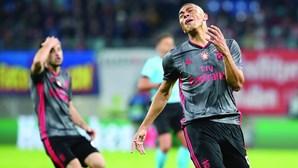 Final infeliz para o Benfica que se viu afastado da Champions
