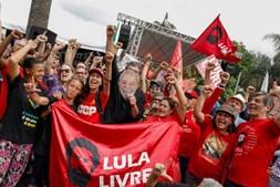 Lula da Silva à saída da prisão