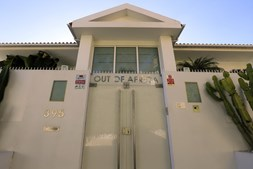 Casa de luxo onde magnata levaria adolescentes para orgias
