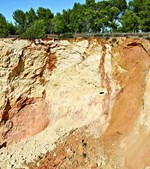 Pedras e terra desabaram na zona de Vale Currais