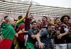 Adeptos em festa com conquista da Taça Libertadores