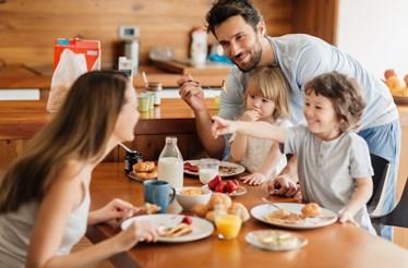 Pequeno-almoço: o dia sobe de tom