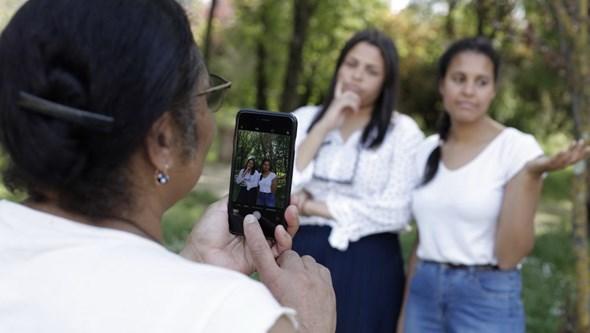 Os pais podem publicar fotografias dos filhos nas redes sociais?