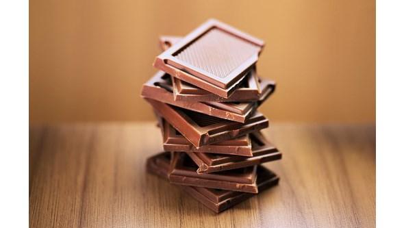 Não, o chocolate não é melhor para a tosse que xaropes
