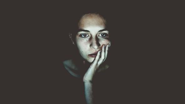 Dicas práticas para enfrentar a ansiedade na hora de dormir