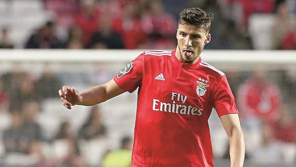 Rúben Dias sai devido à pressão financeira no Benfica