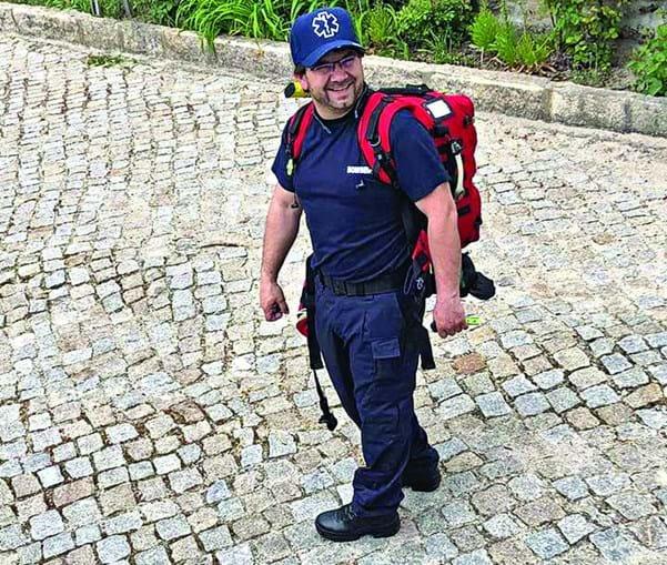 Padre Humberto Coelho é bombeiro em Mirandela