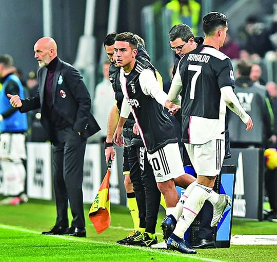 Momento em que Ronaldo saiu para dar lugar a Dybala, que marcou um golo