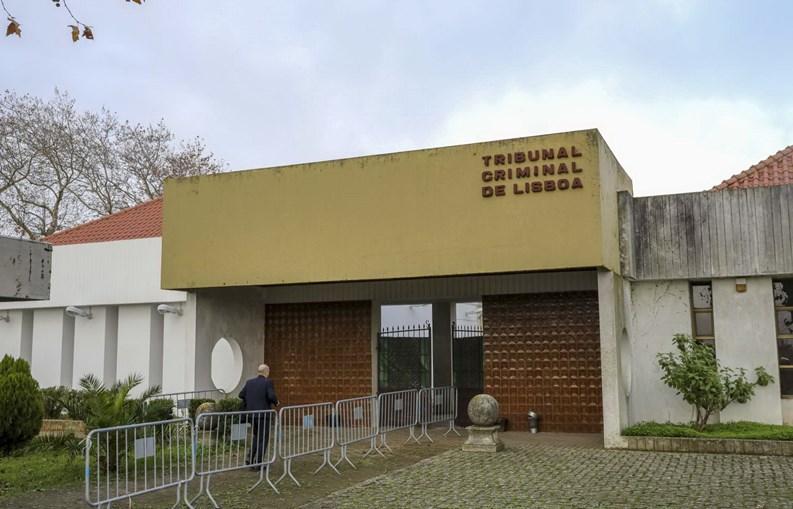 Fachada do edifício do Tribunal Criminal de Lisboa em Monsanto