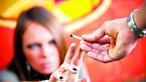 Pandemia de coronavírus alterou consumos de álcool e drogas para quase um terço de jovens