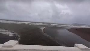 Dezenas de milhares de pessoas retiradas nas Filipinas devido à aproximação do tufão Kanmuri