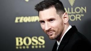 """Messi manifesta """"profundo agradecimento"""" aos profissionais de saúde que combatem a pandemia de covid-19"""