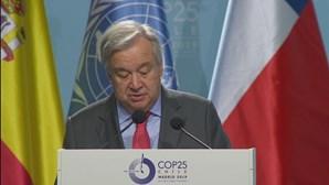 """Guterres quer """"plano de guerra"""" para aumentar vacinação contra a Covid-19"""