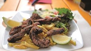 Festival de sabores com porco preto invade Vila Viçosa