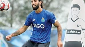 Sérgio Oliveira recupera espaço em jogo do FC Porto frente ao Casa Pia
