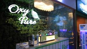 Bar aproveita poluição do ar para vender 15 minutos de oxigénio a mais de três euros