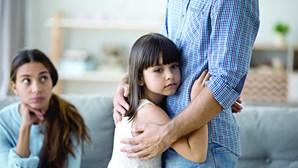 Filhos de pais separados não podem circular entre concelhos no fim-de-semana