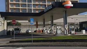 Homem encapuzado e armado assaltou posto de combustíveis em Valongo