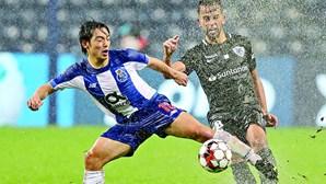 Japonês Nakajima trouxe a solução para o dilúvio no FC Porto